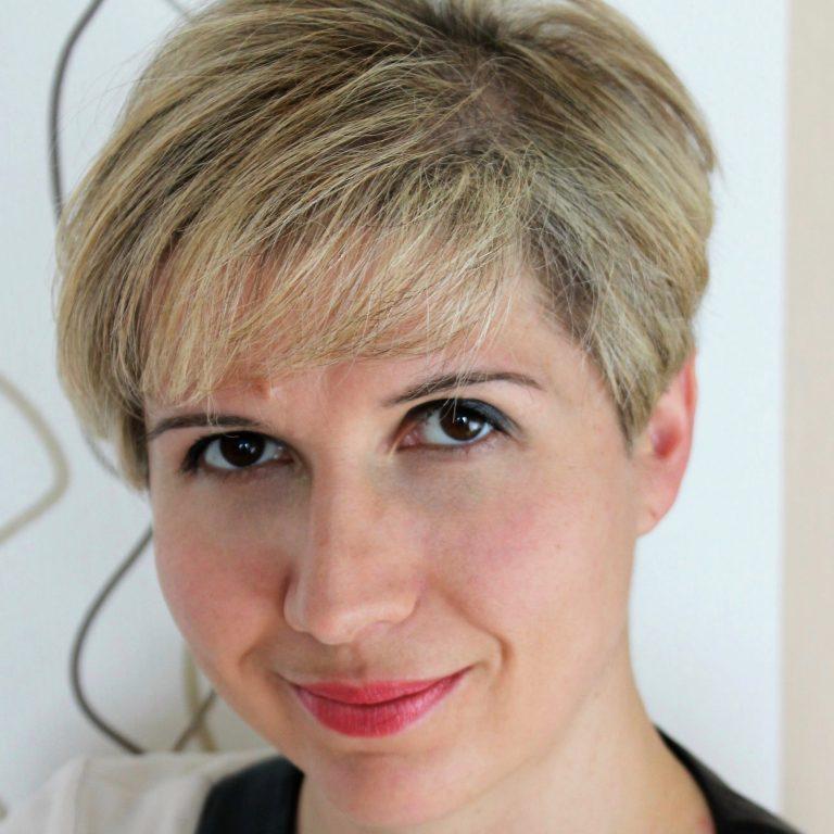 Dr. Agnieszka Staszczyk